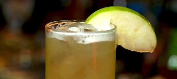 Drinque sem álcool de abacaxi e limão: conheça o Baby Jane!